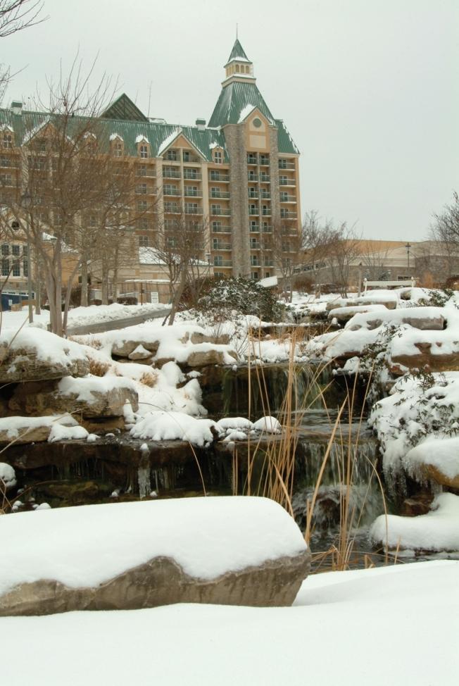 Chateau on the Lake Resort & Spa