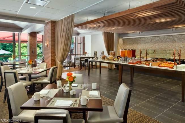 Harth Restaurant (Hilton Westchester)