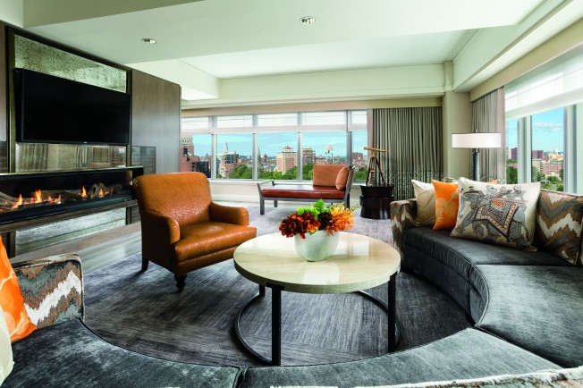 Pres Suite Ritz-Carlton Living Room